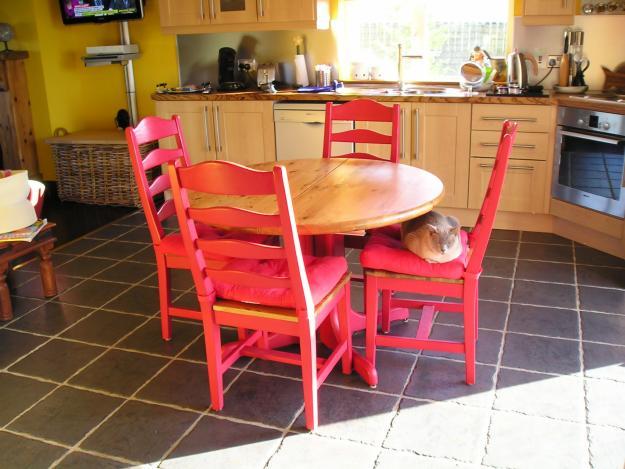 Tables et chaises les styles d coration for Ambiance tables et chaises reims
