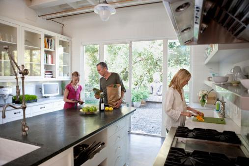 cr dence murale d coration cuisine carrelage l inox le stratifi d coration cuisine. Black Bedroom Furniture Sets. Home Design Ideas