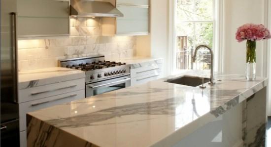 Classiques au goût du jour - Décoration Cuisine - Bois, marbre ...
