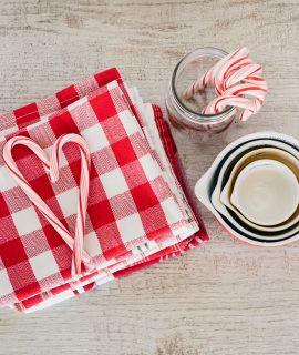 Tissu à carreaux rouge et blanc